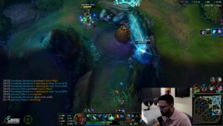 Aphromoo showing his talent